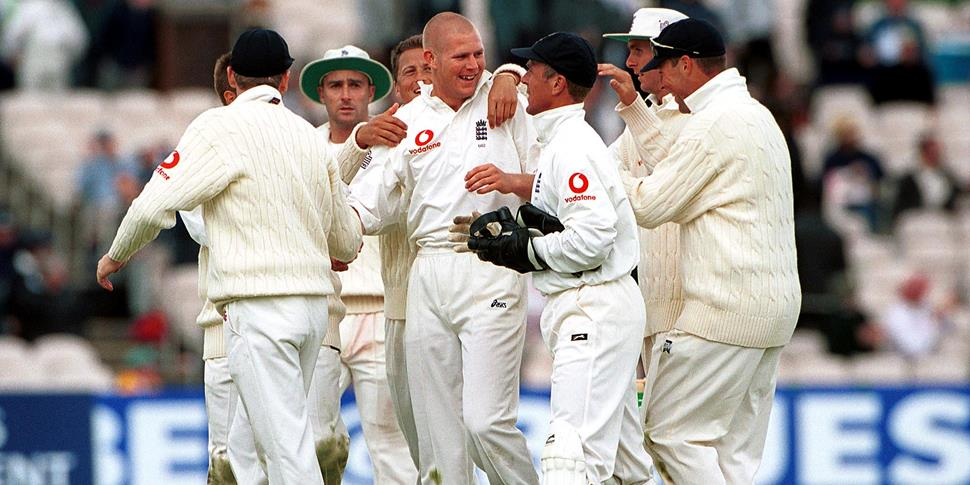 The England Cricket team celebrate Hoggard wicket against Pakistan.jpg