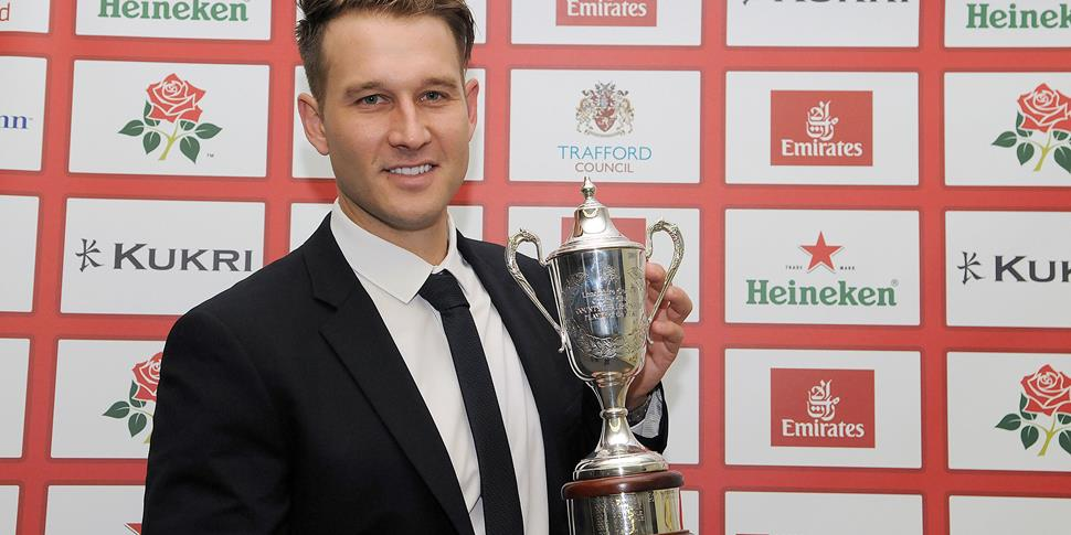 Kyle Jarvis won the Championship Player of the year for Lancashire CCC in 2016.jpg