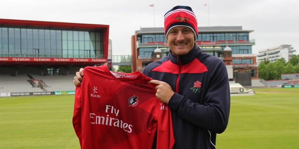 Martin Guptill signs for Lancashire Lightning in the NatWest T20 Blast.jpg