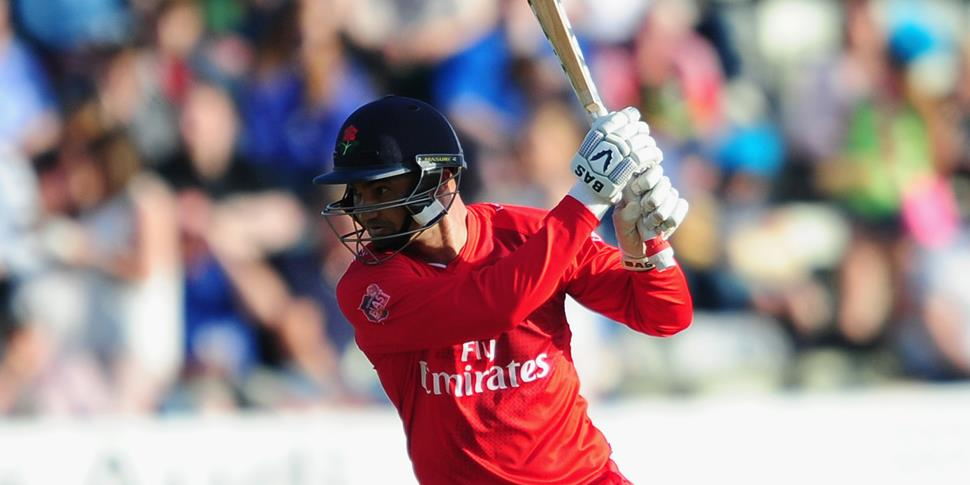 alviro petersen bats for lancashire lightning against worcestershire rapids in the natwest t20 blast.jpg (1)