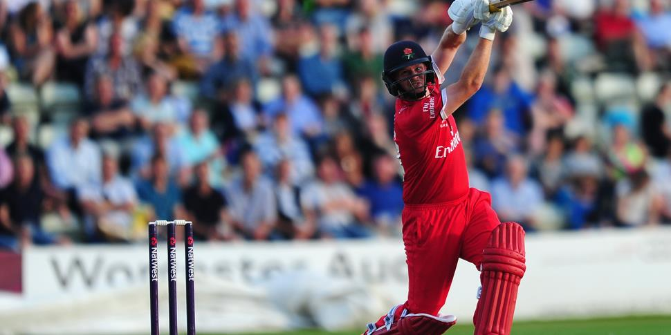 Karl Brown bats for Lancashire Lightning against Worcetsershire Rapids at New Road in the NatWest T20 Blast.jpg